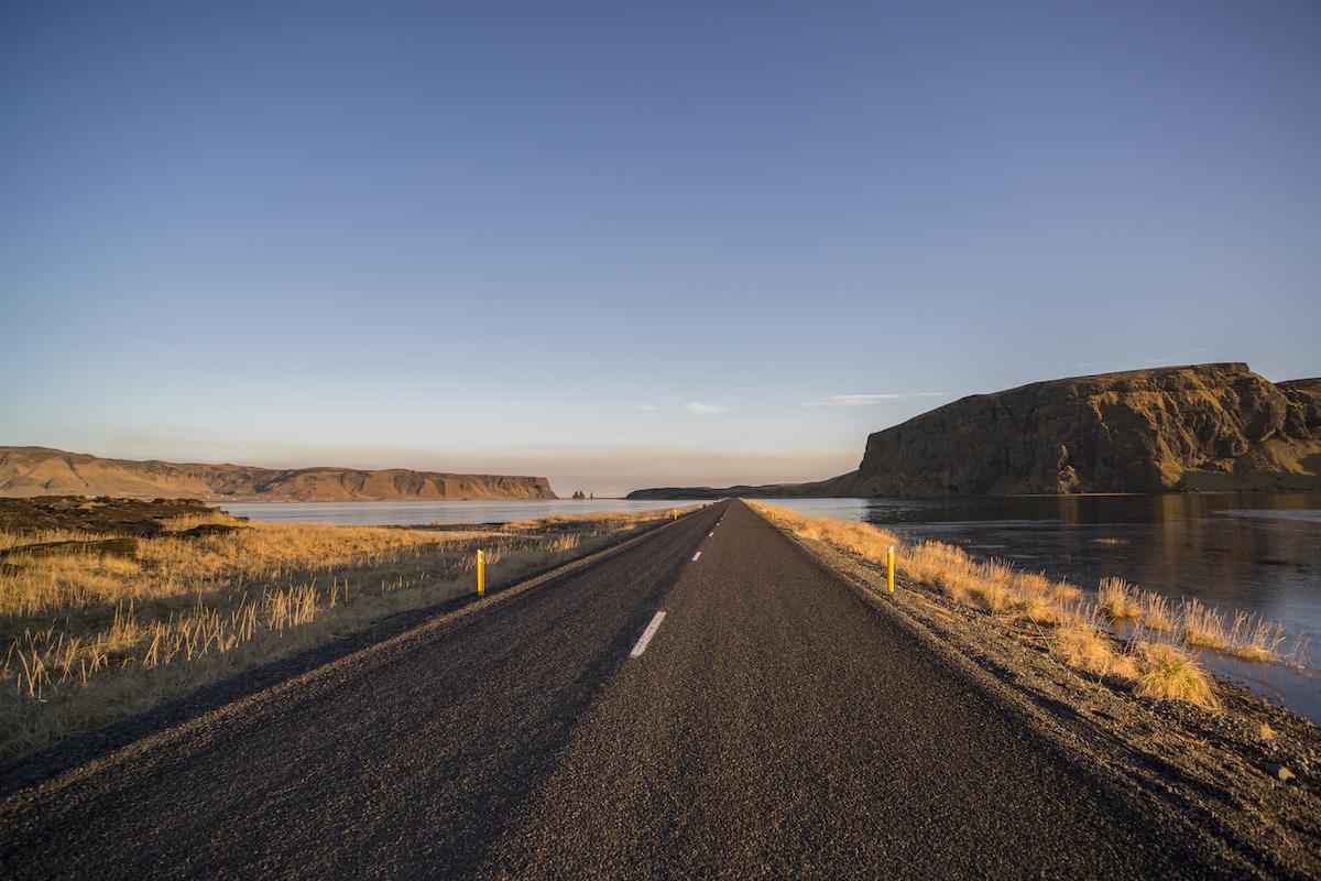Road to Dyrhóaley